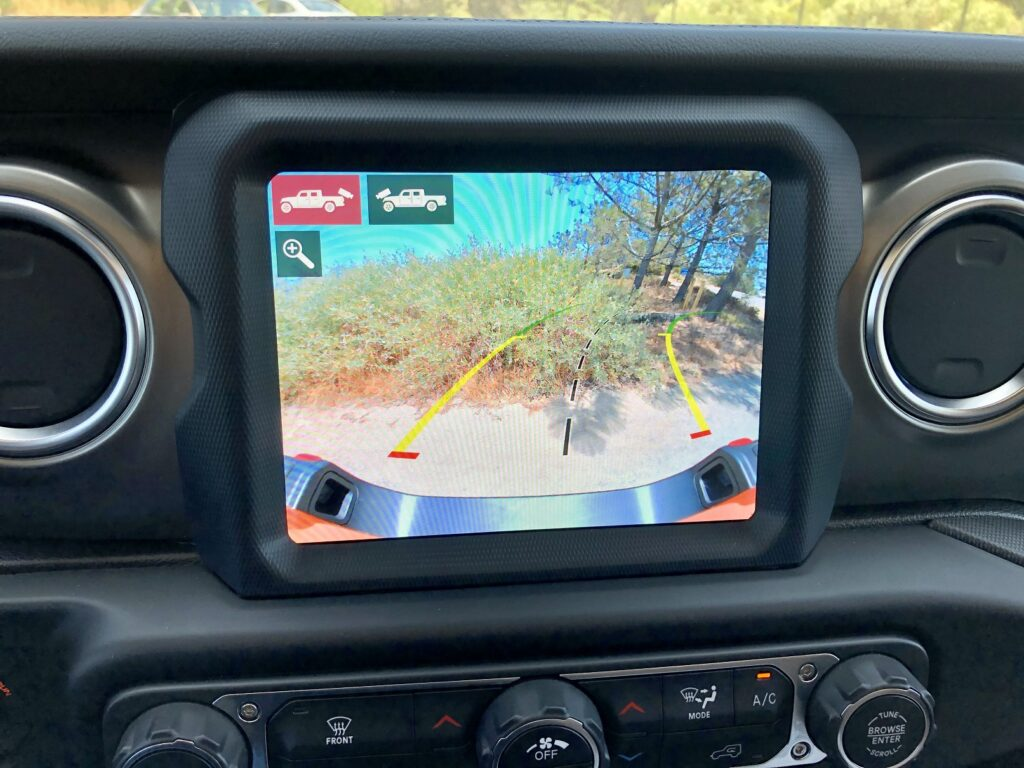 Jeep Gladiator Rearview camera and front-facing trail cam