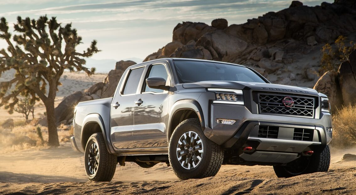 A front view of the2022 Nissan Frontier