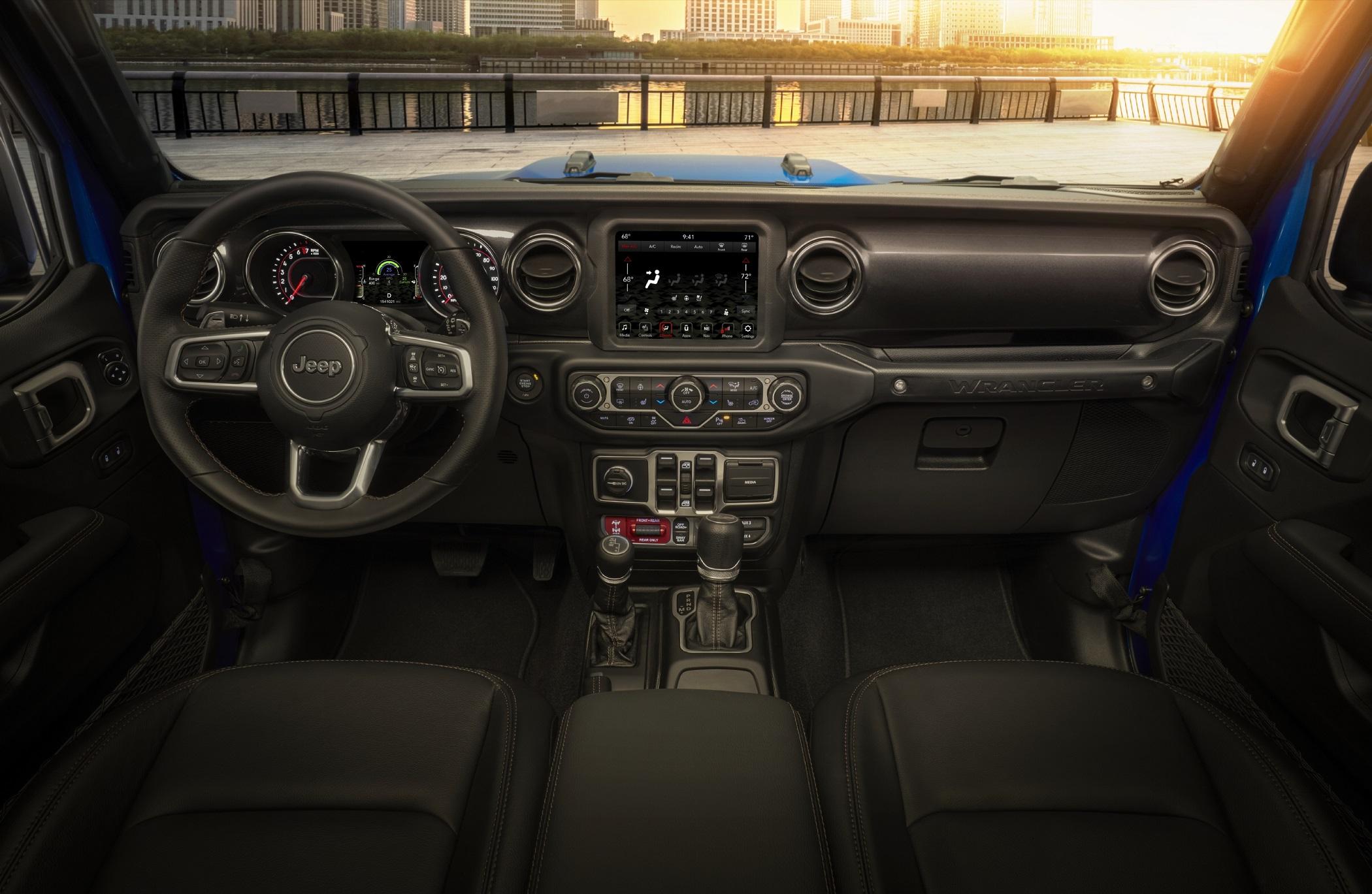 The driver area of the 2021 Jeep® Wrangler Rubicon 392 interior