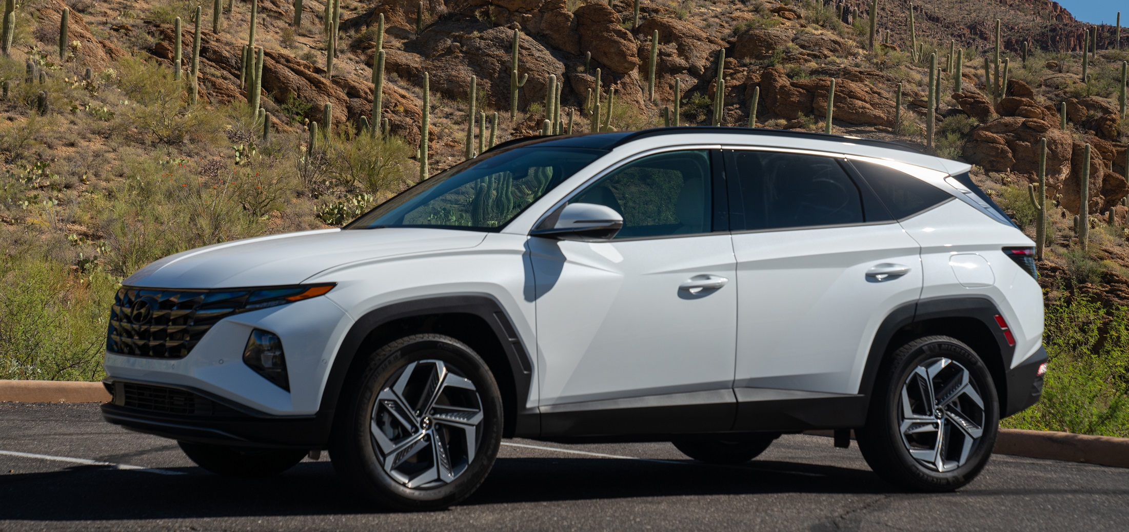 An exterior view of the redesigned Hyundai Tucson SV