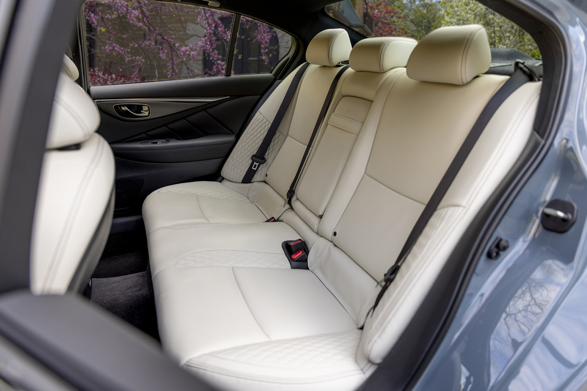 Back seats in white leather