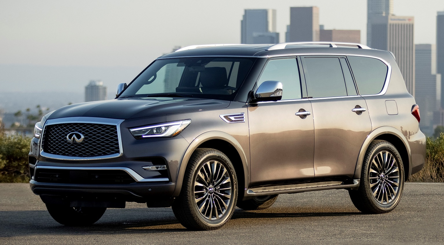 An exterior view of the 2022 Infiniti QX80 SUV